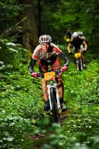 100816_GER_TransSchwarzwald_Stage2_Rudiger_downhill_frontal_greenforest